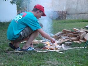 Kaa laat even zien hoe je een vuurtje maakt