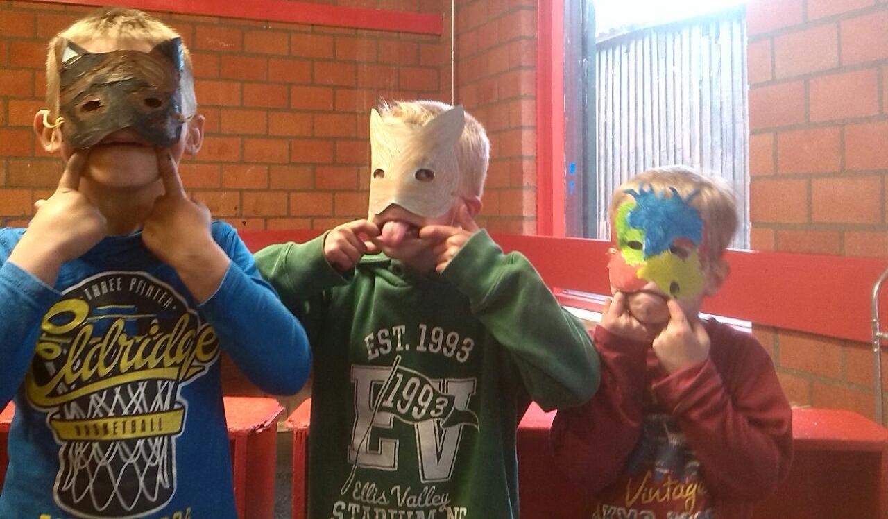 Bevers hebben maskers gemaakt